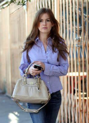 Mandy Moores Coach Ergo Handbag by Wearing Coach Purses Iisla Fisher Wearing Sabrina