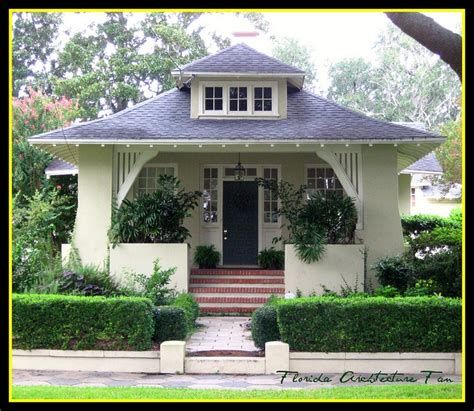 bungalows in florida bungalow with gorgeous lines by fl architect fan via