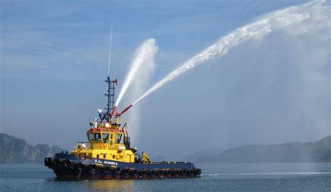 tug boat indonesia 26 m length damen stan tugboat 2608 with 47 t bollard pull