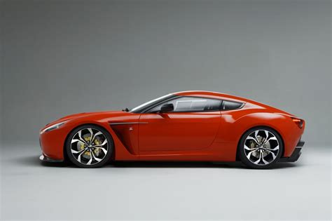 Aston Martin V12 Zagato heads from Villa d'Este to the