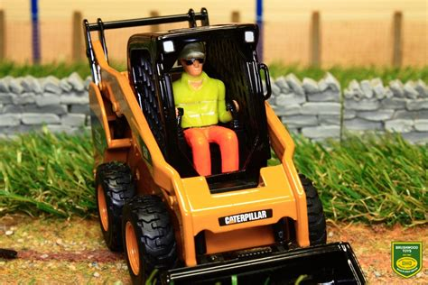 brushwood toys dm diecast masters cat  skid steer loader  scale   attachments