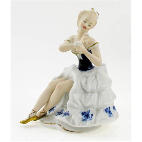 vintage wallendorf porcelain cobalt figurine with