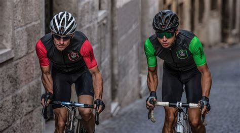 cycling in the clothing cagnolo s movement is into road cycling clothing