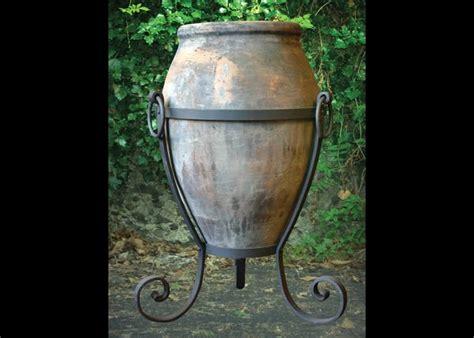 porta vasi in ferro ferro battuto in giardino i vasi in ferro battuto