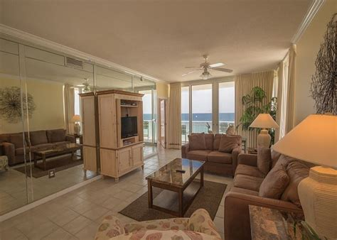 the pearl room the pearl of navarre 902 living room 2 visit navarre