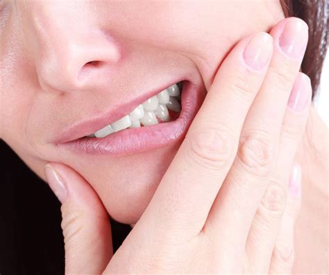 stop teeth grinding  dentists guide  night guards