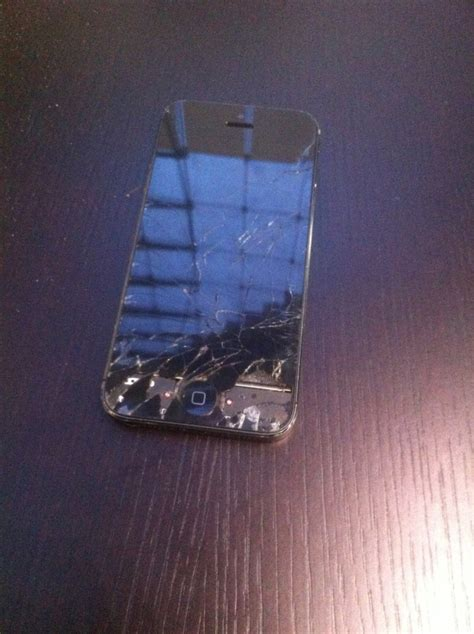 broken iphone        iphone