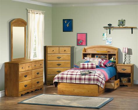 bedroom furniture set in country pine south shore