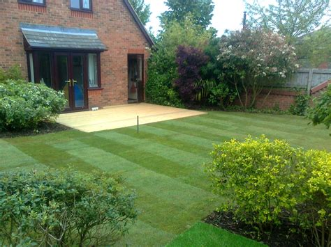 landscapers in biggleswade lawns turf seeding