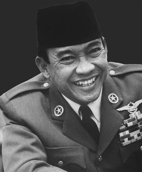 biografi soekarno lengkap i sejarah kehidupan presiden ir biografi presiden soekarno biografi tokoh dunia caroldoey