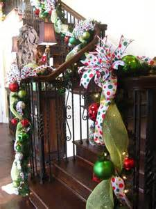 Christmas Decorations For Stairs by 100 Awesome Christmas Stairs Decoration Ideas Digsdigs