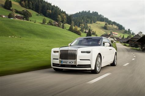 roll royce phantom 2018 2018 rolls royce phantom first drive review motor trend