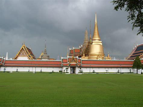 turisti per caso thailandia prima di un nubifragio in thailandia viaggi vacanze
