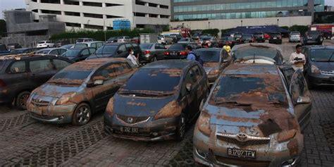 Jual Tv Mobil Copotan cara mudah mengenali mobil bekas kecelakaan dan banjir merdeka