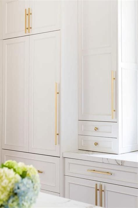 Gold Kitchen Hardware by White Kitchen Cabinets With Modern Gold Hardware Kitchen