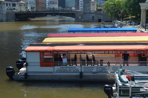 milwaukee river boat rentals city business riverwalk boat tours rentals 187 urban