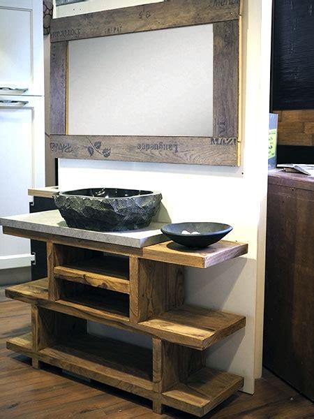 mobili per bagno in legno mobile bagno in legno etnico iroko con lavabo in radice di