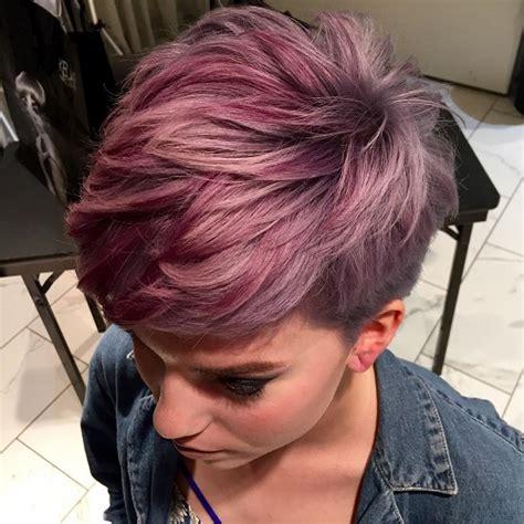tagli capelli corti donna effetto crespato nuova tendenza 2017
