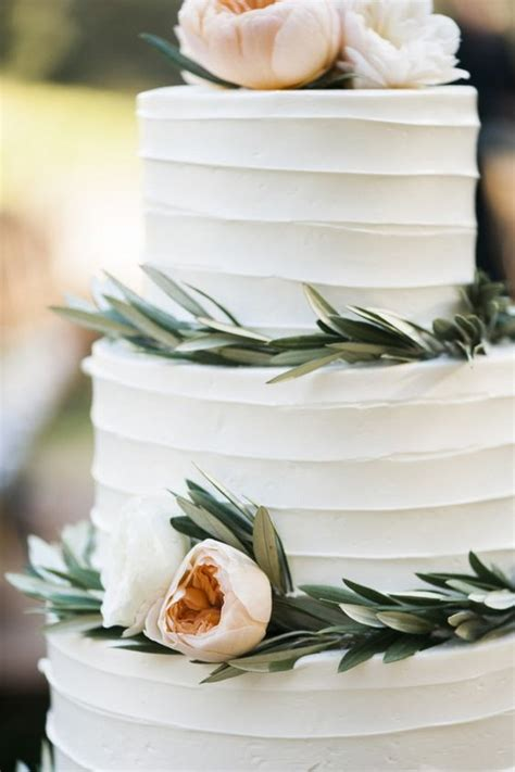 Wedding Cakes Simple But by 15 Simple But Wedding Cakes For 2018