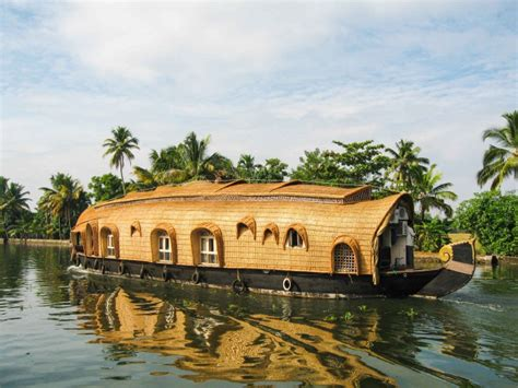 Airbnb Houseboat by 10 Incredibly Amazing Houseboats You Dream Of Owning