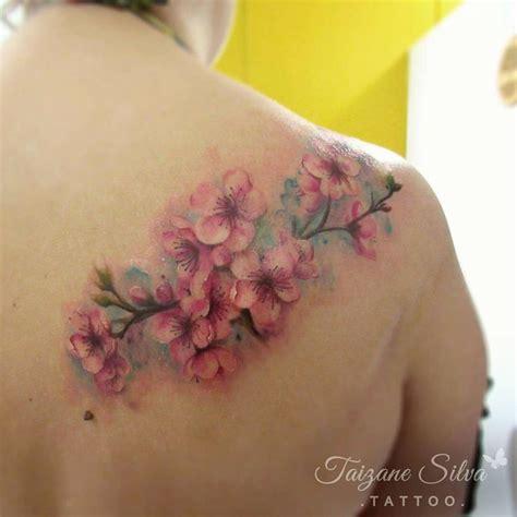 fiori sul braccio oltre 25 idee originali per tatuaggi di fiori sul braccio