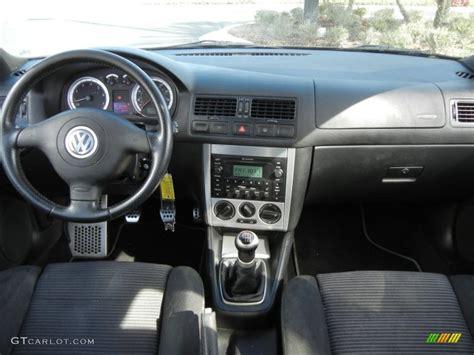 2005 Volkswagen Jetta Interior by 2005 Volkswagen Jetta Gli Sedan Black Dashboard Photo