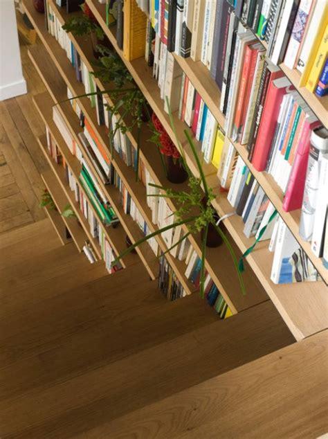 bibliothek im treppenhaus einbauen praktische und