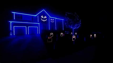 halloween house lights to music halloween light show 2013 the fox what does the fox say youtube