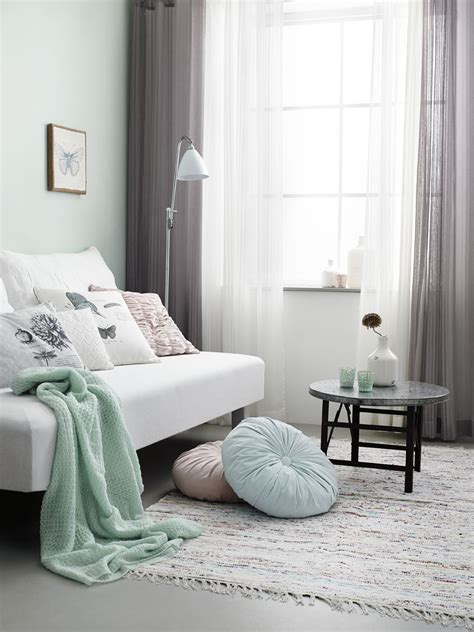 mint accents in grey living room aquamarine interiors pinterest grey living rooms pastel