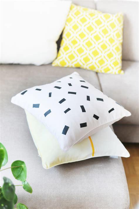 Textilfarbe Selber Machen diy kissen selbermachen faerben textilfolie textilfarbe