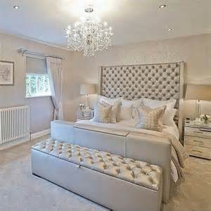 Silver White Bedroom - 15 glamour silver bedroom designs