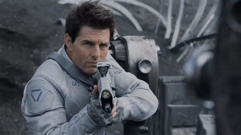 film tom cruise alieni tom cruise s oblivion makes impact at us box office