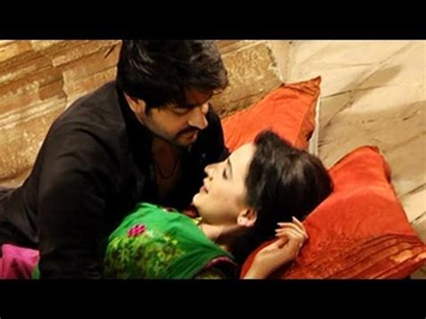 bedroom romance youtube rudra paro s bedroom romance in rangrasiya 11th june