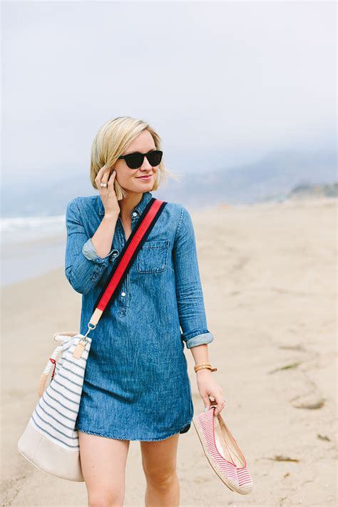 the effortless chic a day at the beach the effortless chic