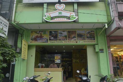 tempat makan vegetarian  enak  bandung destinasi