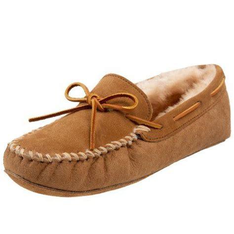 mens moccasin slipper minnetonka s sheepskin softsole moccasin slipper