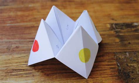 Finger Origami Fortune Teller - make a paper fortune teller kidspot
