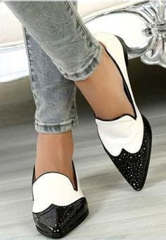 Black And White Flat Shoes 1000 ideas about white flats on wooden