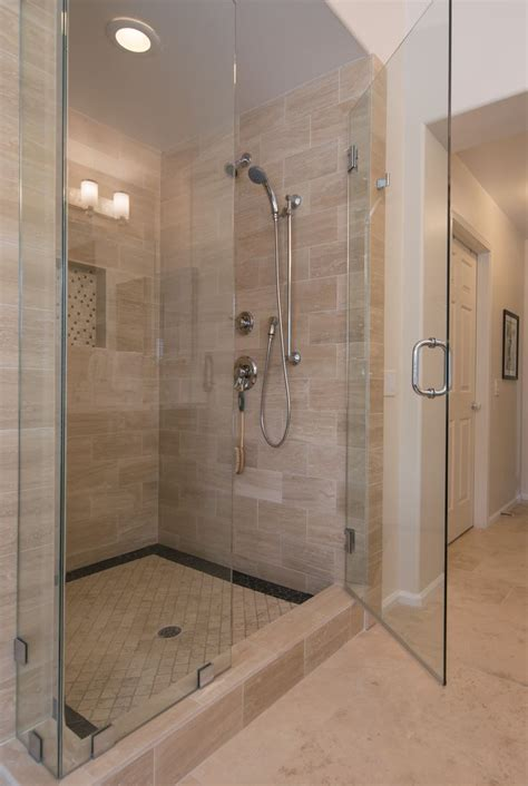 bathtub contractor 25 best ideas about bathroom remodeling contractors on