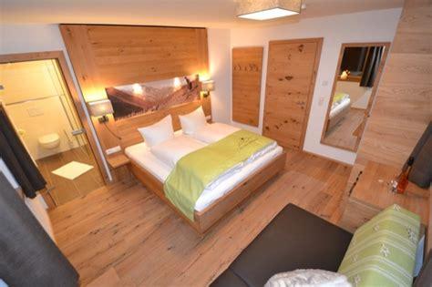 waldhütte mit sauna mieten ferienwohnung im skigebiet hochf 252 hochzillertal mit sauna