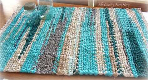 easy rag rug make rag rugs from scraps on a handmade loom easy fabric repurposed fabrics