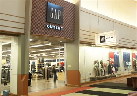 Outlet Stores by Gap Outlet Great Lakes Crossing Outlets