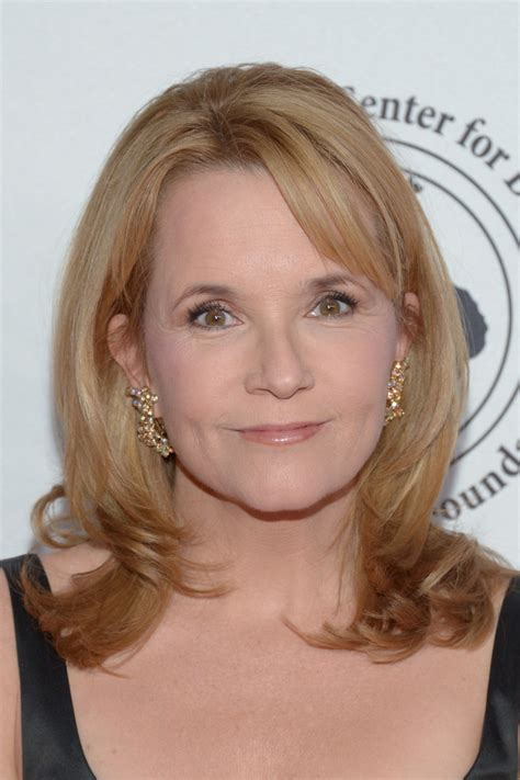 Flip Hairstyles by Lea Thompson Flip Shoulder Length Hairstyles Lookbook