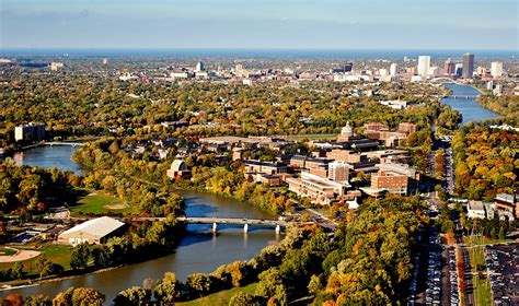 Of Rochester New York Mba by Fall In Rochester Simon Admissions