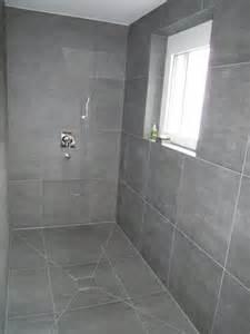 bad duschen fishzero dusche platten wand verschiedene design