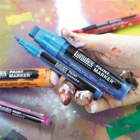 acrylic paint markers canvas 25 best ideas about acrylic paint pens on