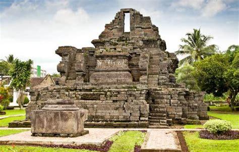 peninggalan kerajaan singasari 5 candi 1 arca dan 4 prasasti gambar kisah asal usul