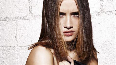 les coupes de cheveux pour les cheveux mi longs