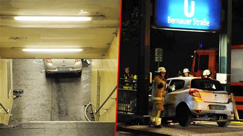 Berlin Auto Rast In Haltestelle by Horror Fahrt In U Bahnhof Renault Clio Rast In