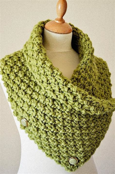chunky knit cowl easy chunky knit neck warmer cowl knitting pattern by arty